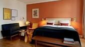 Jens Risom Deluxe room Hotel Alexandra1.jpg